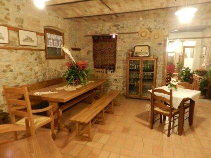 Il segreto della nostra cucina: prodotti freschi e naturali, dall'orto alla tavola. Tutto fatto rigorosamente in casa!!!