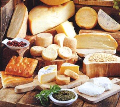 I  FORMAGGI - cena a tema con 21 formaggi, mostarde, mieli e pani speciali
