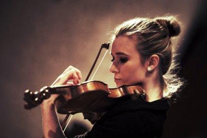 LA DOMENICA A DUINO - Aperitivi in musica