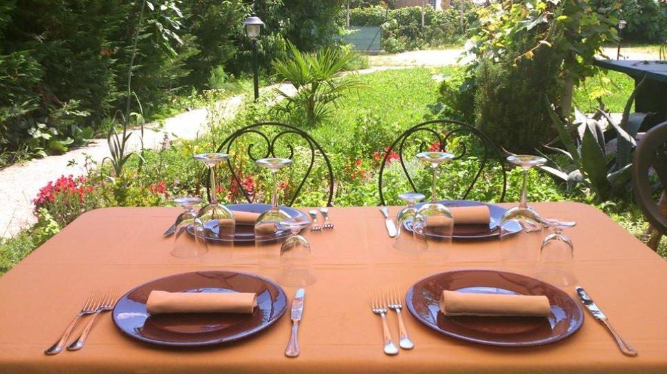 """Solo nel nostro giardino: """"OLIVE PARTY"""" per dare il benvenuto all'ESTATE!"""