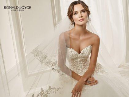 Sposi In Udine  - Abiti e accessori per la sposa e lo sposo-