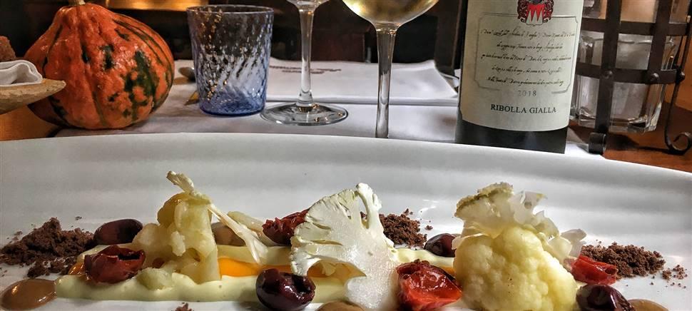 Zucca, faraona, baccalà sono solo alcuni degli ingredienti del nostro menù di ottobre. Vieni a gustarlo insieme ai vini Conte d'Attimis Maniago.
