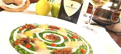 A maggio la ricercatezza della nostra cucina si sposa con i prestigiosi vini Masut da Rive. Vieni a provare questo tripudio di sapori.