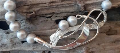 Con oro, argento, pietre naturali confezioniamo gioielli unici. Vieni a scoprire il nostro laboratorio e le nostre creazioni artigianali.