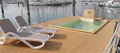 Scopri Gar_deck, il legno composito made in Italy  versatile, affidabile, resistente sia per interno sia per esterno.