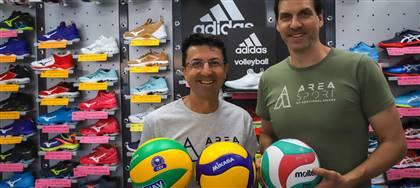 Il nostro negozio è punto di riferimento per i pallavolisti professionisti e non. Vieni a conoscerci