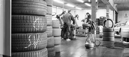 La tua auto ha bisogno di manutenzione? Portala da Frisiko: pneumatici, tagliandi, revisioni, quick-check, igienizzazione. Noleggio 25€/g