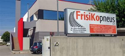 """Vieni a cambiare le gomme da Frisiko entro settembre. Per te un soggiorno gratuito dal catalogo """"Evviva Vacanze"""". Fino a esaurimento"""