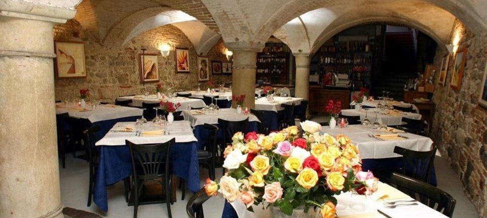 Per SAN VALENTINO regala una cena speciale in un luogo speciale... Osteria Alle Volte. In centro a Udine