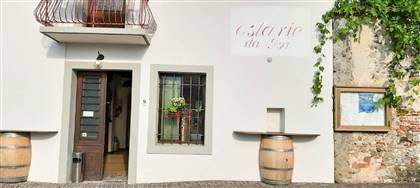 Da Isa trovi la genuinità di un buon piatto tradizionale accompagnato da un bicchiere di vino. Vieni a scoprire la nostra osteria