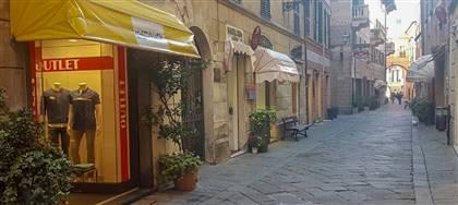 Mazzonetto Albenga è ora Outlet aziendale. Taglie comode, occasioni fine serie e sconti fino 80%. Vieni a scoprirli