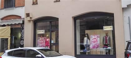 Mazzonetto Asti è ora Outlet aziendale. Taglie comode, occasioni fine serie e sconti fino 80%. Vieni a scoprirli
