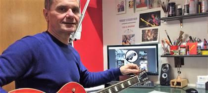 Ci occupiamo di chitarre e strumenti a corda da 30 anni. Li realizziamo nel nostro laboratorio e li vendiamo in negozio