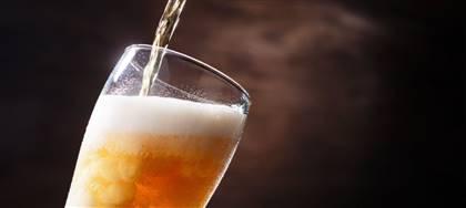 Birre Hacker-Pschorr, Pyraser, Bitburger, vini di Cormons, acqua Lauretana. Ricevili a domicilio, per bere a casa quello che sceglieresti nel tuo locale preferito