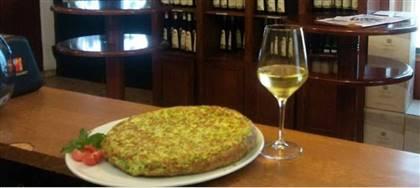 Genießen Sie bei uns Aufschnitt, Käse und Weine der Kellerei Cantine Produttori Cormòns