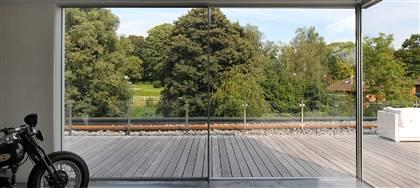 "Crea spazi inondati di luce, vieni a scoprire le vetrate KELLER ""Minimal Windows""®: versatili, moderne, eleganti."