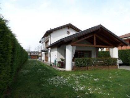 Villa, vicinanze Udine sud