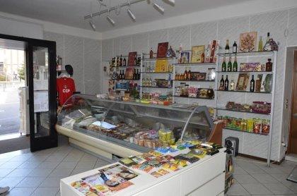 negozio alimentare russo.ucraino.moldavo.polaco.rumeno.продуктовый магазин в италии русский украинский.молдавский польск