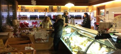 """Vieni a scoprire """"La Fattoria"""" di Pavia. Agriturismo, punto vendita, fattoria didattica, FattoreEffe e molto di più!"""