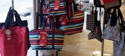ROLSER e Reisenthel sono due marchi specializzati in borse e carrelli per la spesa. Vieni da Righini Casa a scoprirli!
