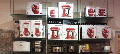 A Natale regala i nostri prodotti Magimix, Kuvings, KitchenAid, Bamix, Staub. Vieni a trovarci in negozio!
