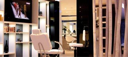 Prenditi cura dei tuoi capelli sfibrati. Vieni a provare il trattamento di ricostruzione con cheratina