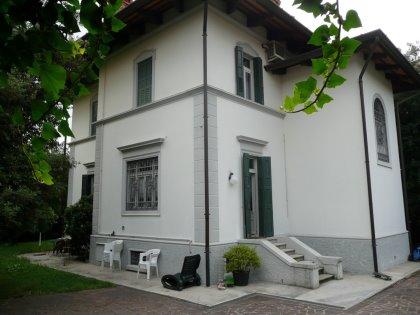 Villa liberty a Udine, semicentro