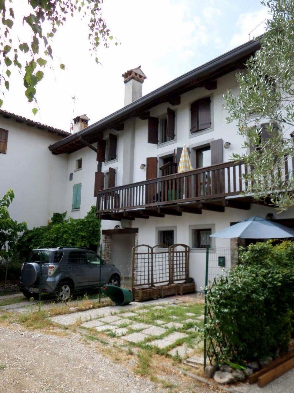 Casa in linea a Colloredo di Prato