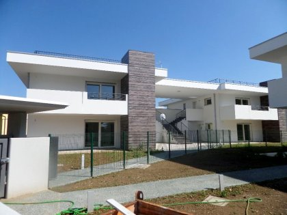 "Tricamere a Feletto Umberto - ""White Residence"""
